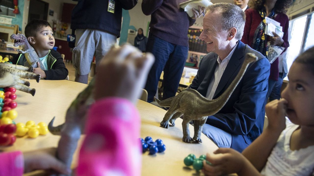 New L.A. schools Supt. Austin Beutner chats with children at Cleveland Early Education Center/Cleveland Infant Center in Los Angeles. Photo by Brian van der Brug / Los Angeles Times