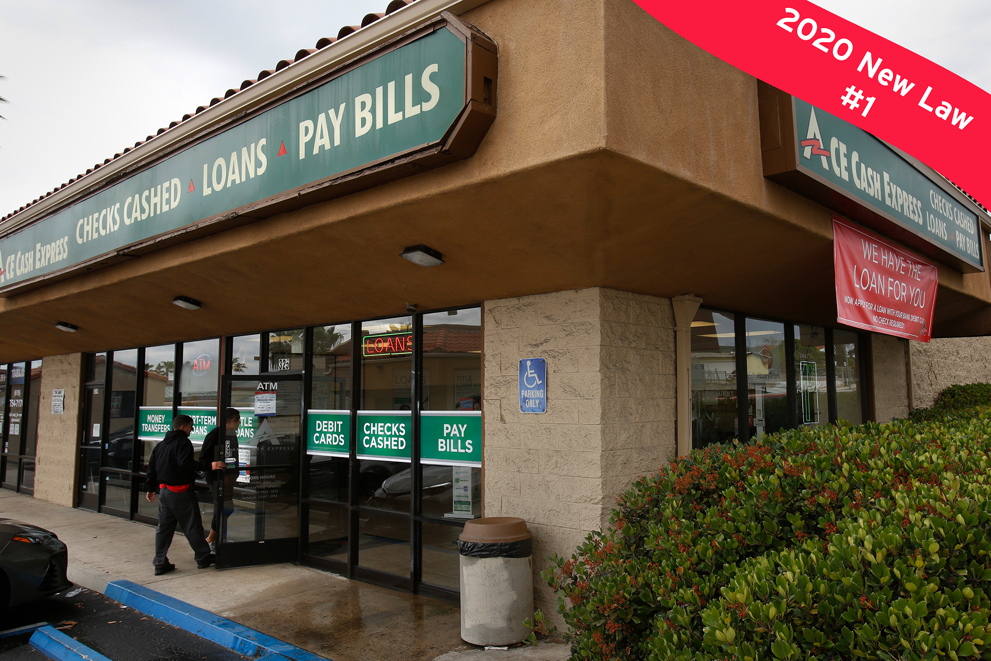 Lenders like this ACE Cash Express in Chula Vista have been issuing a growing number of high-rate loans to those deemed high-risk customers. Photo by Peggy Peattie for CalMatters