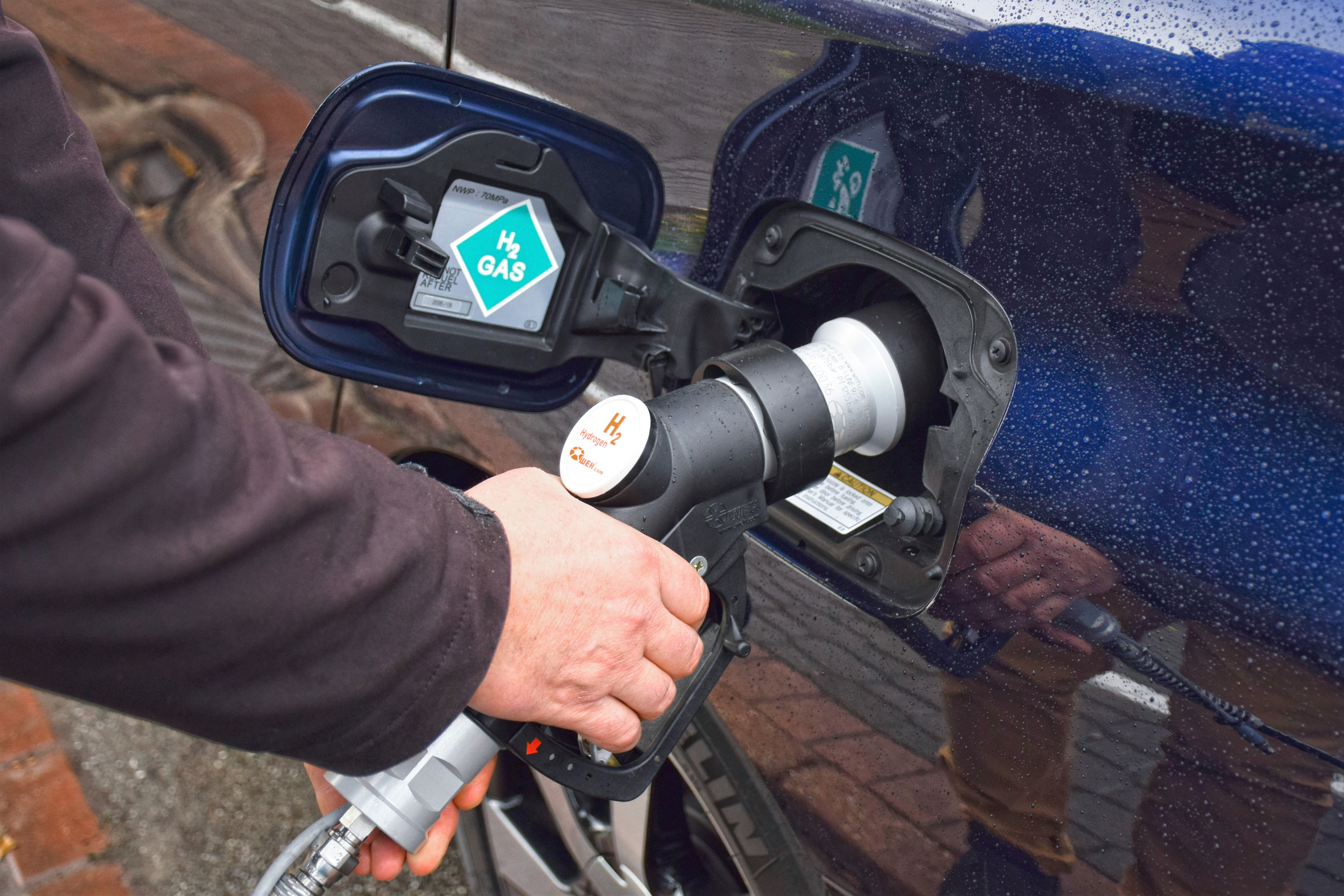 clean transportation hydrogen fuel cell vehicles